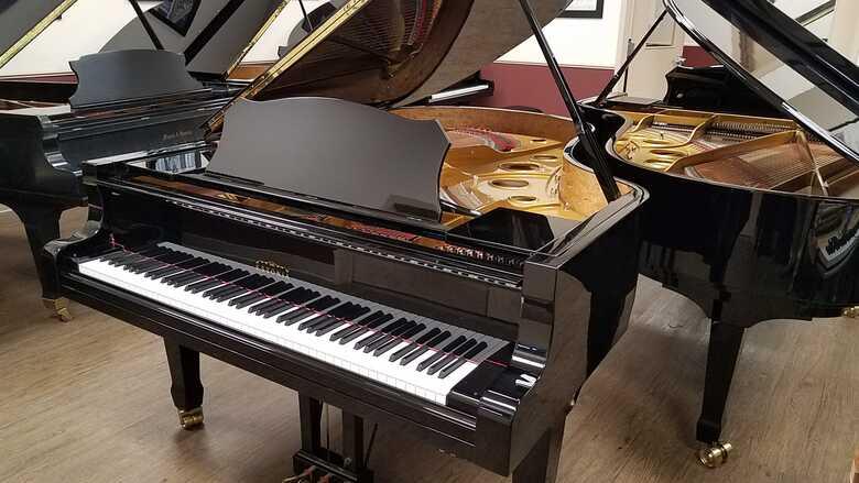 """PRE-OWNED Estonia Model 210 Grand Piano (6'10"""")"""