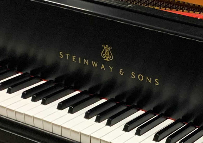 new in 1991 STEINWAY & SONS Model M Baby Grand Piano