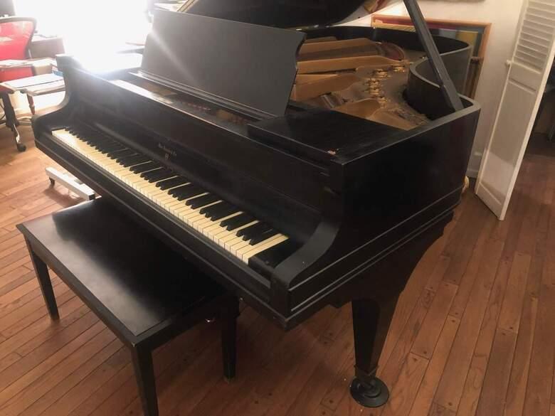 Beautiful William Knabe & Co. Grand Piano
