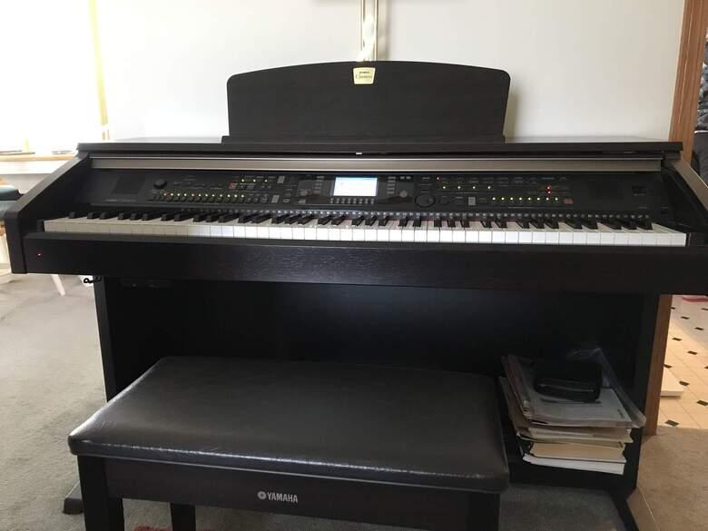 yamaha clavinova CVP-301