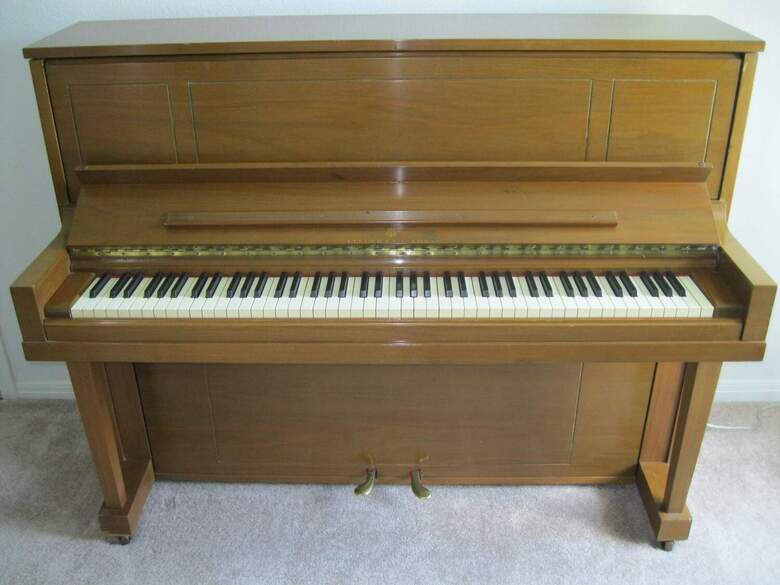 1975 Steinway & Sons Upright (1098)  **Local sale only**