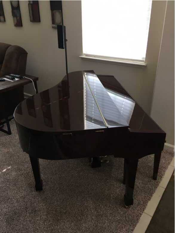Beautiful Cherrywood Digital Mini Grand Piano
