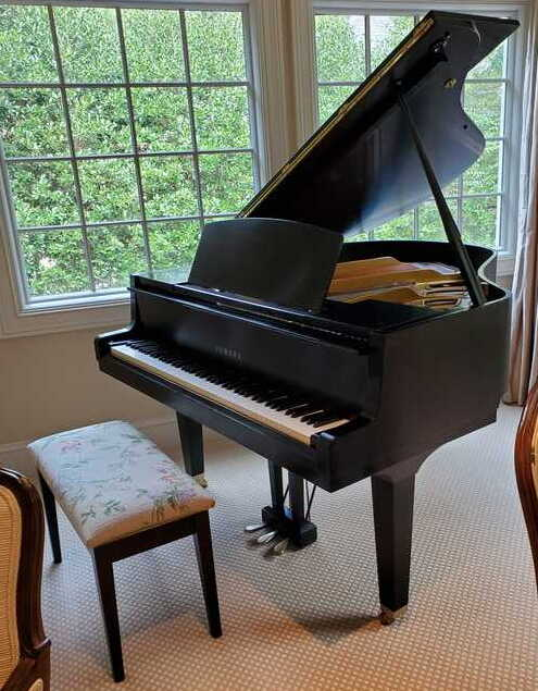 Yamaha Baby Grand for Sale, excellent shape