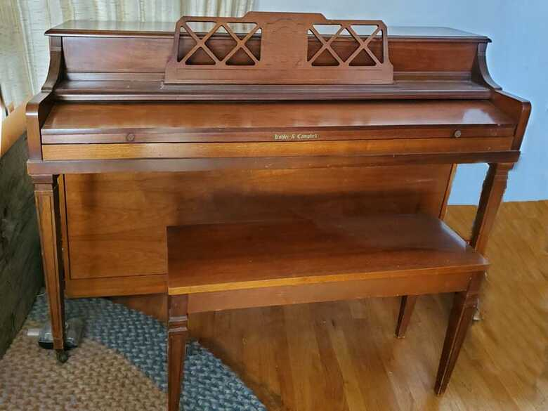 Kohler & Campbell spinet piano & bench