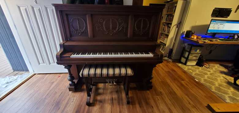 1906 Whiney of Chicago Upright Grand