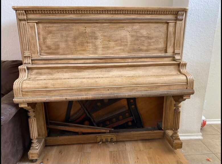 Jesse French Antique Upright 96% functional!