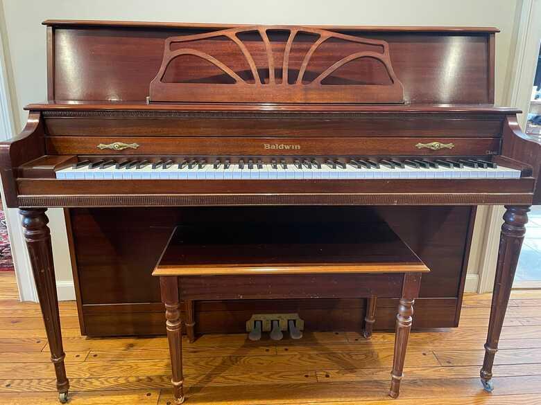 "Baldwin ""Classic"" 660 Console Piano - Original Owner"
