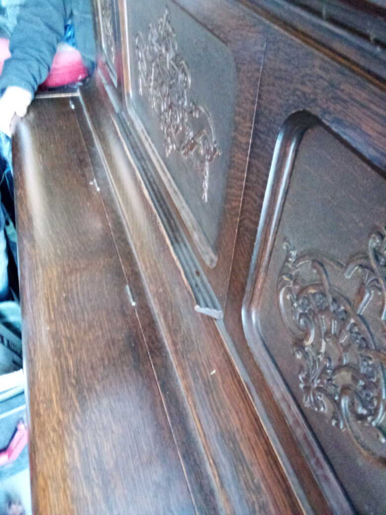 1905 kimball of Chicago upright oak piano