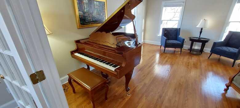 Schultz & Sons (Samick) Grand Piano