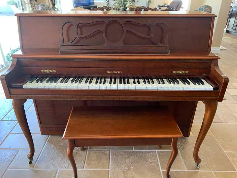 "Baldwin 44"" Console Piano"