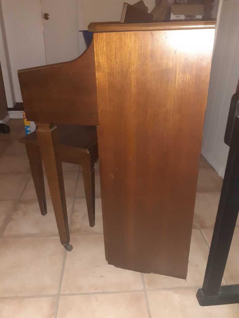 Baldwin Upright Piano Good Quality