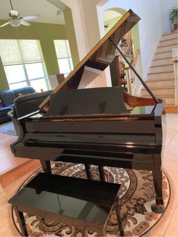 Beautiful piano/great sound!