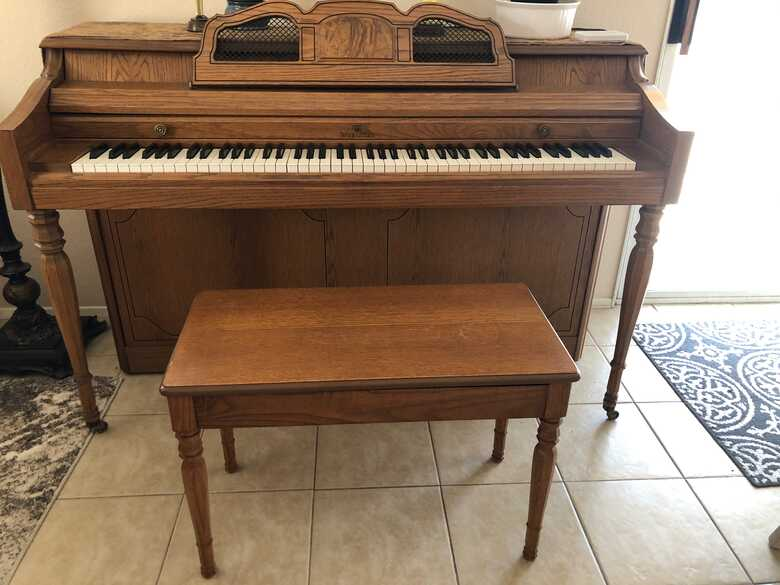 Wurlitzer upright piano - model 2125