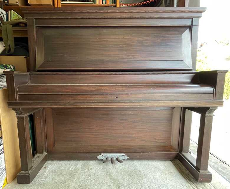 1903 Story & Clark (non-player) Upright