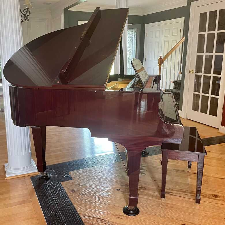 Young Chang Baby Grand G-150 Very Good Condition