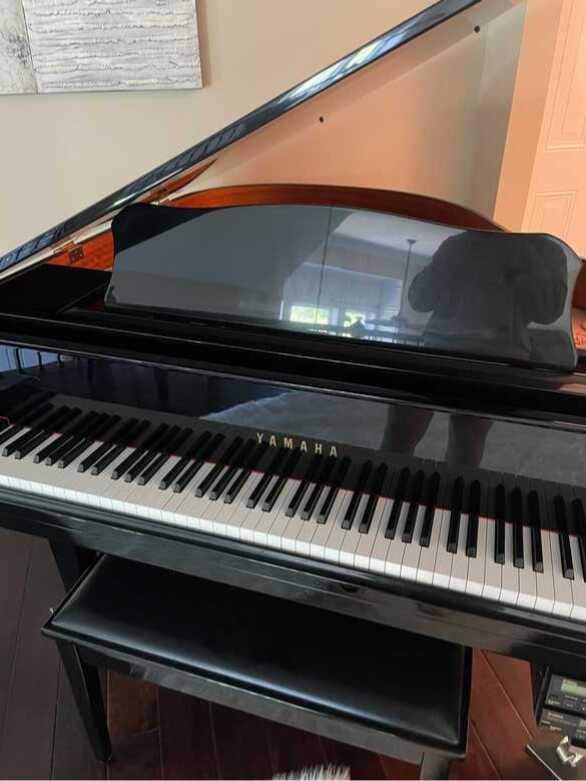 Yamaha GB1K Baby Grand Piano Polished Ebony. EX CONDITION