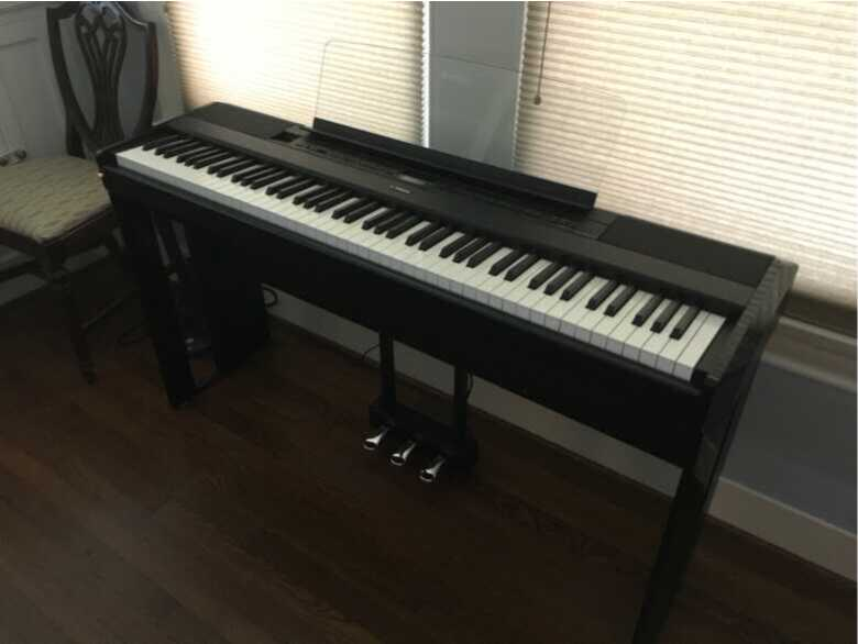 2019 Yamaha P515B with stand and pedals