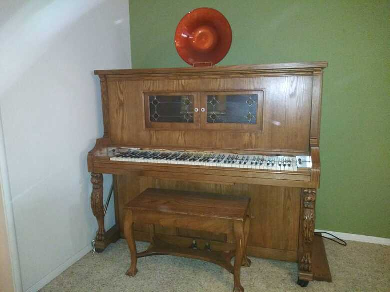 Aeolin Keepsakes Player Piano