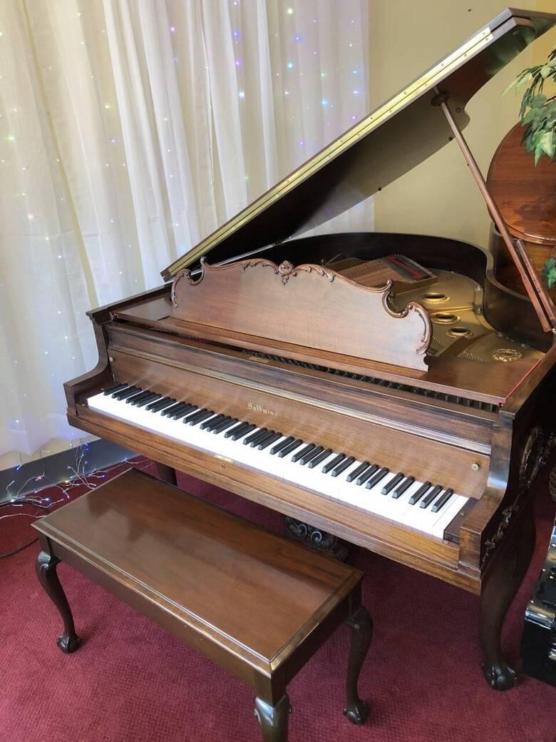 "Beautiful Baldwin Chippendale 5'8"" Grand Piano"