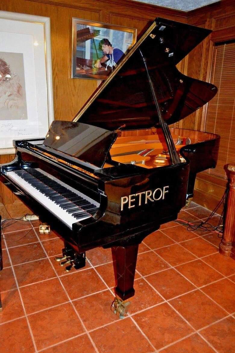 Superior PETROF 7'9 grand piano model II & Steinway key felt