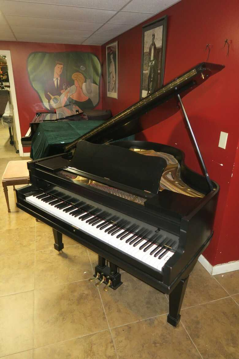 Super cute Petite baby grand piano