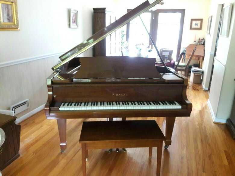 Gorgeous Kawai baby grand piano , Yamaha bench