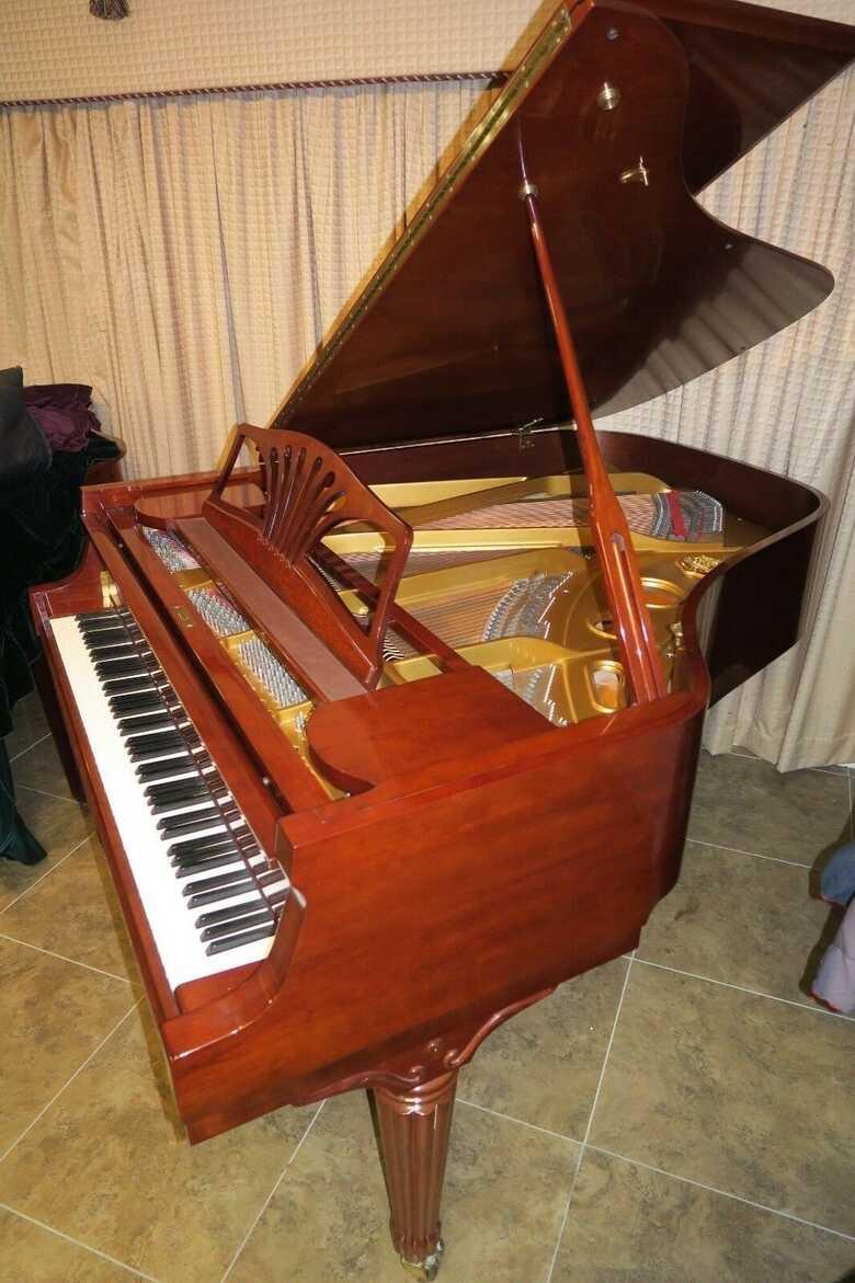 Exquisite Sohmer New York grand piano & Steinway felt key co