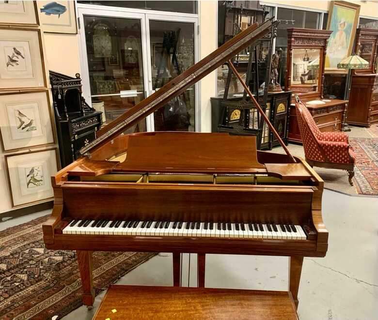 """Outstanding STEINWAY & SONS 5'7 model """" M """" piano"""