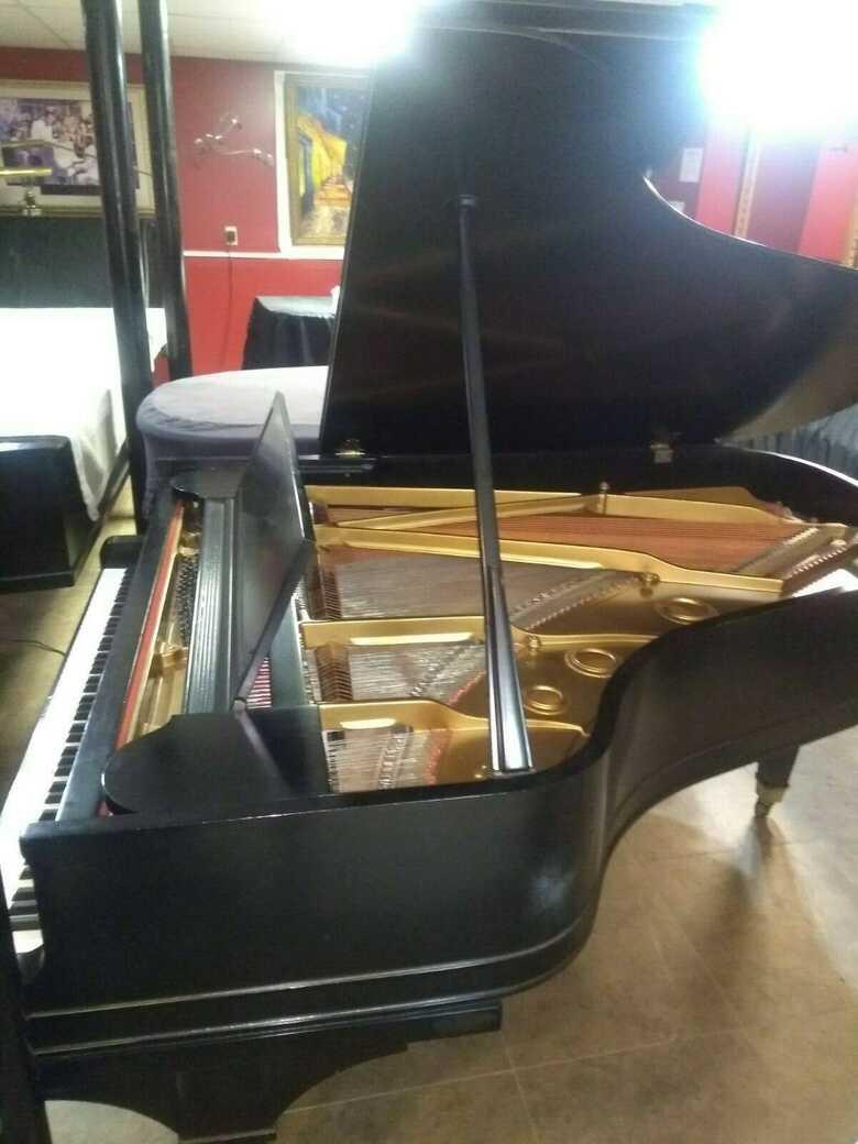 Baldwin Model L grand piano & Steinway bench