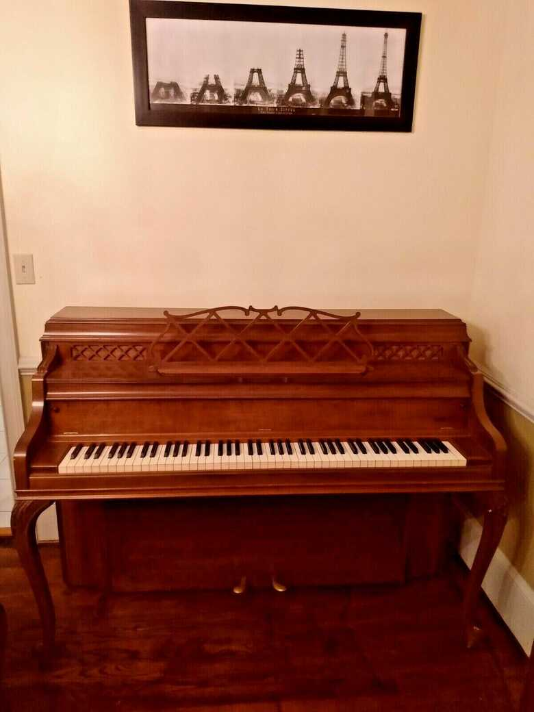 Steinway & sons Model F PIANO